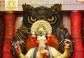 The famous statue of Lalbaugcha Raja from Mumbai looks magnificent.