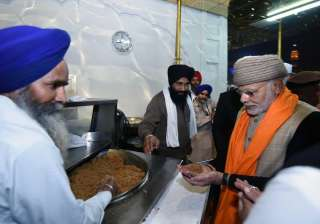 The two leaders were given a 24 carat gold replica of Golden Temple.
