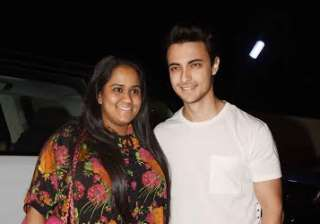 Salman's sister Arpita Khan Sharma and her husband Aayush Sharma were also spotted attending the event. Arpita wore a floral top and Aayush paired denim with white t-shirt.