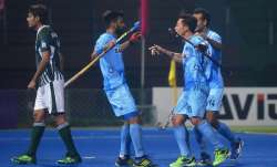 Favourites India continued their winning momentum defeating