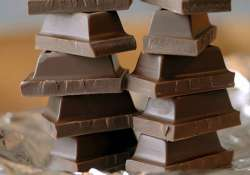 onsumption of a small amount of chocolate each day may help
