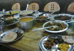 AMU students say being forced to eat vegetarian dishes