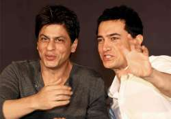 Shah Rukh and Aamir had a 'Khantastic' night with- India Tv