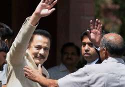 Will deposit Rs 1500 cr by June 15, Subrata Roy tells SC