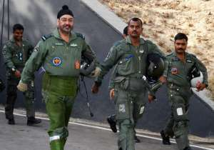 Air Chief Marshal BS Dhanoa on a 3-day visit to Kargil air- India Tv