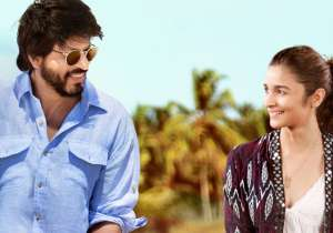 Dear Zindagi review: The movie belongs to Alia, SRK lights up screen with his charm