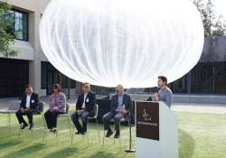 google s project loon internet balloons to circle earth