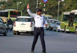 this moonwalking traffic cop from indore is now a style icon