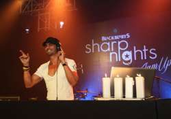 blackberry s sharp nights tour to enthrall music lovers in