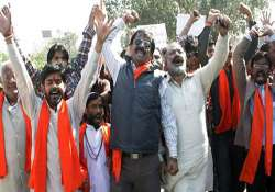 shooting of osama film disrupted by vhp activists