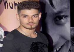 sooraj pancholi s parents thank judge god for his bail