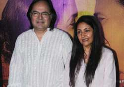 deepti naval remembers friend farooque sheikh see pics