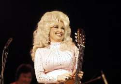 dolly parton fasts before writing songs