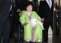 elizabeth taylor left more than 800 000 to last hubby larry