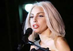 lady gaga dedicates applause to fans
