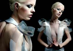 dress turns transparent as you get sexually aroused see