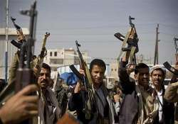 shiite rebels shell yemen president s home take over palace