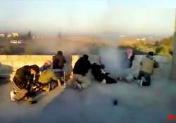 syrian forces kill 21 as observers fan out