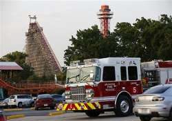 woman in us falls to death from world s tallest roller