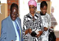 zimbabwe president mugabe s daughter marries pilot