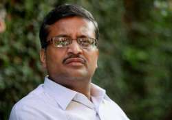pages of file pertaining to vadra dlf deal missing khemka