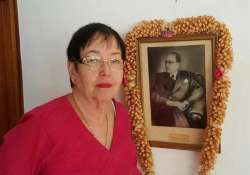 netaji s daughter dr anita bose pfaff demands dna test of