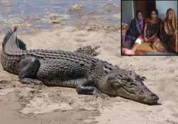 odisha woman wins fight against crocodile just with a
