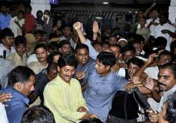 jagan faces ire of telangana supporters