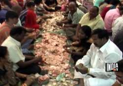 shirdi sai baba gold silver cash pour in as donations from
