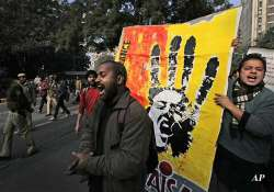 damini gangrape 35 protesters shave off their heads at