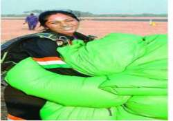woman sky diver plunges to death in tamil nadu