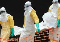 821 passengers being tracked for ebola virus disease