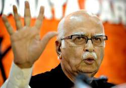 advani slams pmo s attempts to silence foreign scribe