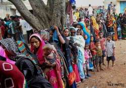 eight killed in bengal panchayat elections