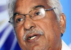 solar scam kerala cm chandy gets clean chit from hc