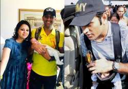 ms dhoni shares daughter ziva s first official pic
