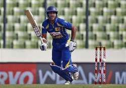 sri lanka cruise to final of asia cup.