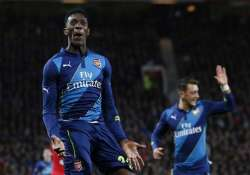 welbeck scores arsenal winner vs old club man united