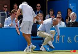 nalbandian disqualified after injuring line judge