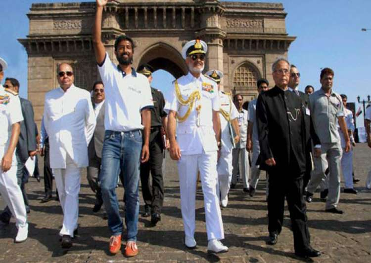 naval pilot abhilash tomy becomes first indian to sail round the world solo welcomed by president- India Tv