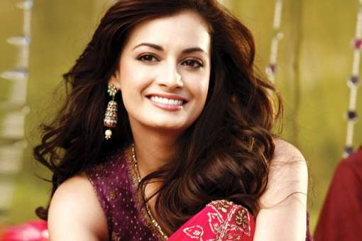 Dia Mirza's father was Catholic whereas her mother is a Bengali. She took the last name of her step father Ahmed Mirza.