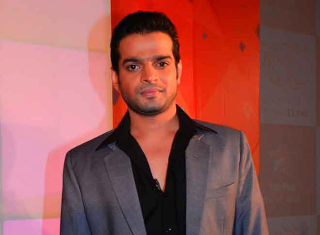 Karan Patel is a complete Mama's boy and often seek her guidance at every step in his life. In fact, he even admitted that it is because of his mother that he is miles away from bad habits and bad company.