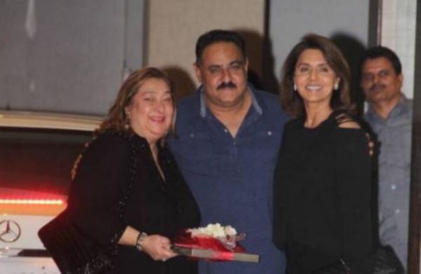 Babita who looked graceful in an all black attire was spotted with Neetu Kapoor.