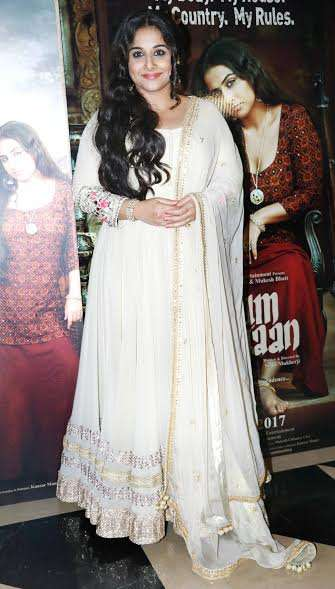 The lead actress Vidya Balan made a graceful appearance in an off-white traditional attire.