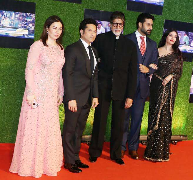 Amitabh Bachchan, Abhishek Bachchan and Aishwarya Rai Bachchan also attended the event. Big B was all praises for the film and also shared an emotional post on social media.