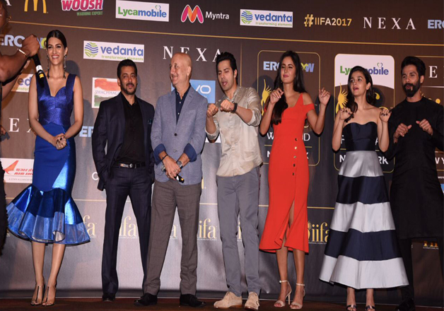 Shahid Kapoor, Alia Bhatt, Anupam Kher, Kriti Sanon, Sushant Singh Rajput and Varun Dhawan reached the IIFA 2017 event and also talked about their IIFA experience one by one.
