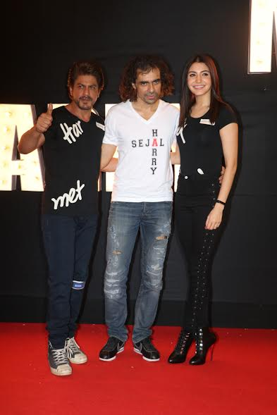 The lead pair of the film Shah Rukh Khan and Anushka Sharma twinned in black attires. The filmmaker Imtiaz Ali looked dapper in a cool while t-shirt with Harry and Sejal names printed on it.