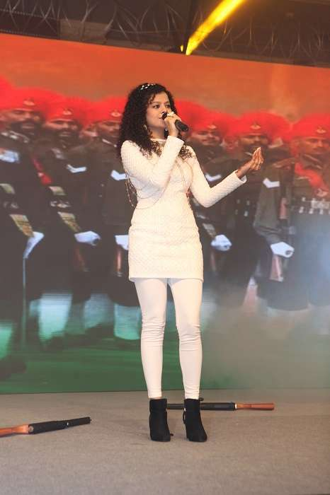 Palak Muchhal presents Lata Mangeshkar's famous number 'Ae Mere Watan Ke Logo' in a different yet melodious avatar.