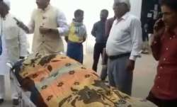 Video shows how Vashisht Babu's body kept lying on a