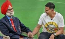 Akshay Kumar mourns the death of hockey legend Balbir Singh